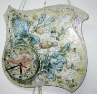 "Wall Clock ""Taffies"""